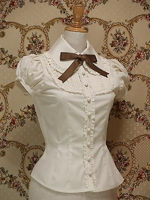 PUFF SLEEVE,Puffy sleeves are named for the way this type of sleeve extends out in round puffs around the upper arms or at the shoulders.