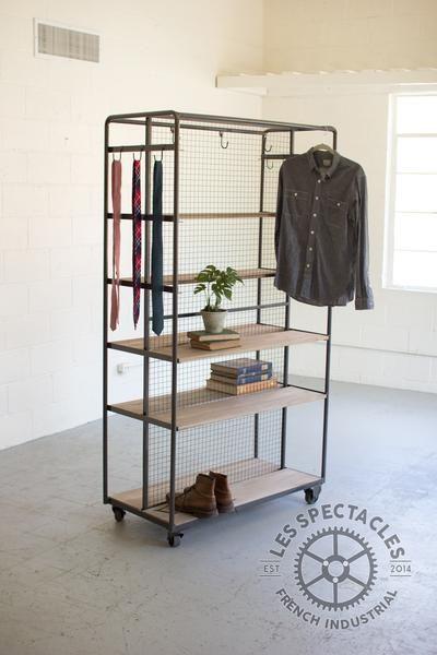 bedroom - Numéro 7 Un Placard Roulant Garment Rack - Les Spectacles French Industrial