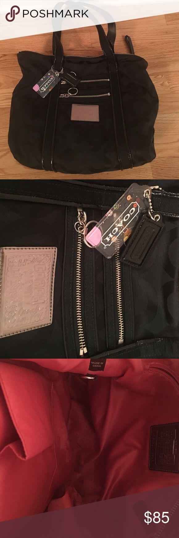 Coach Poppy Bag Coach Poppy Bag in black. EUC Coach Bags Shoulder Bags