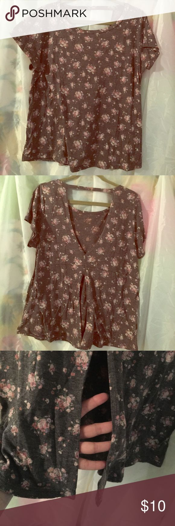 Trendy floral plus size top size 1X Really soft floral low and slit back.  Covers all in front but I wore pink, white of black cami tops underneath.  Tag is cut out but it is from forever 21 +.  Size is 1X.  No holes, stains or fading. Forever 21 Tops Tees - Short Sleeve