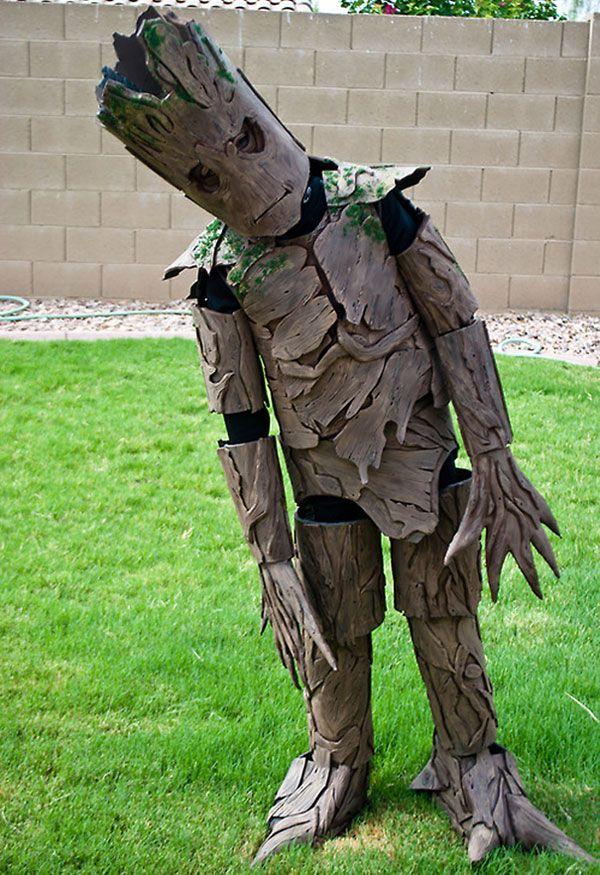 """Costume di Halloween da Groot dei """"Guardiani della Galassia"""""""
