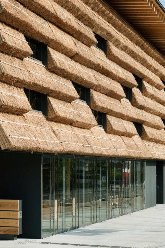 Yusuhara Marche by Kengo Kuma & Associates: A complex of a market selling local products and a small hotel with 15 rooms. In an attempt to respect the history of the surrounding traditional buildings, they used thatch, which worked as a medium to connect the past with the present http://kkaa.co.jp/