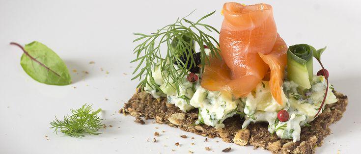Een smushi is een hapje uit de Deense keuken. Het is een stukje donker roggebrood, smørrebrød, belegd met aardappelen, groenten, kruiden, vlees of vis.