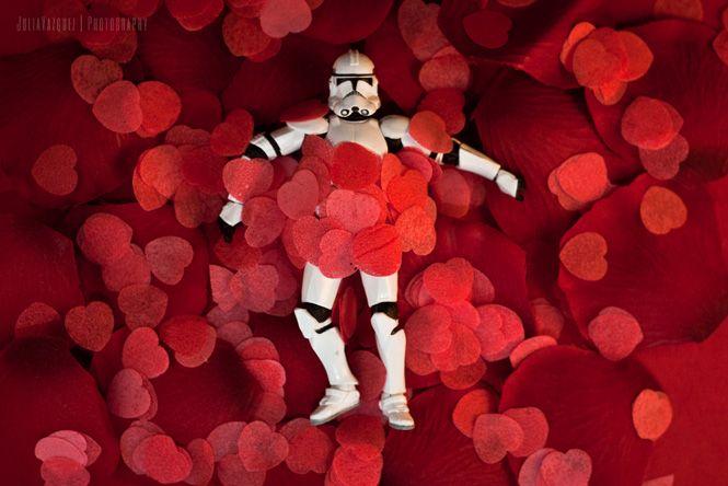 Post del Día del Orgullo Friki en imágenes. Star Wars a lo American Beauty, entre otros.