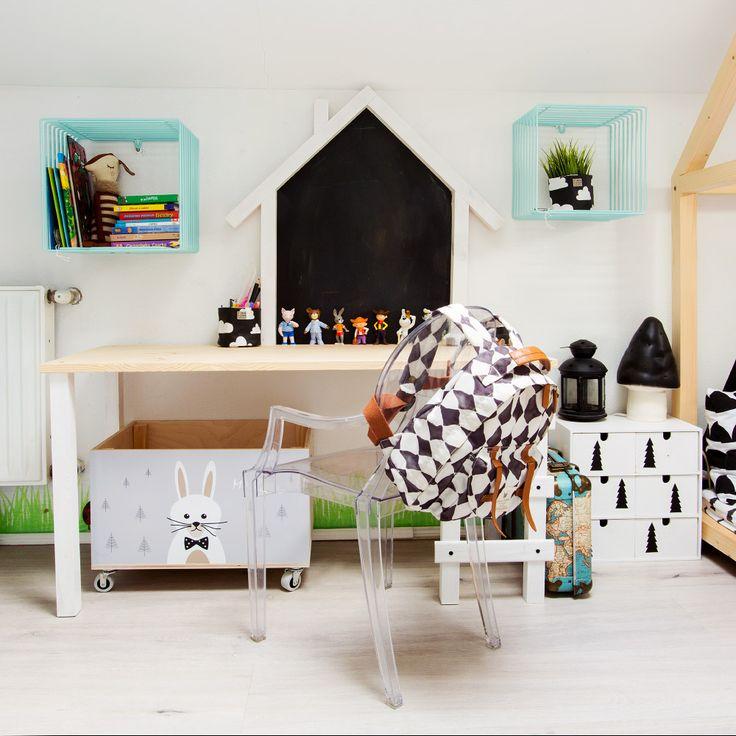Kids desk designed and hand made by Wild One Design http://wild-one-design.com/