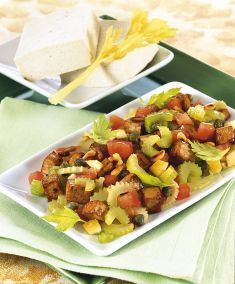 Caponata di sedano e pomodori con tofu - Tutte le ricette dalla A alla Z - Cucina Naturale - Ricette, Menu, Diete