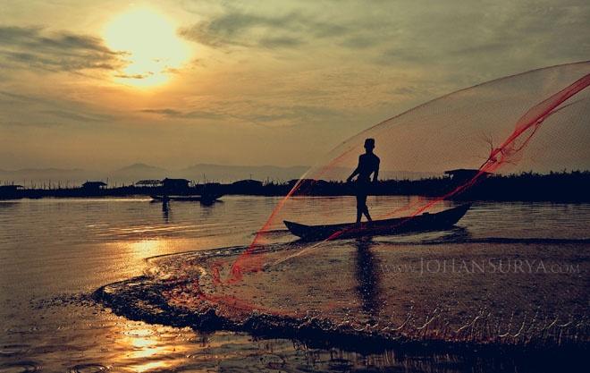 morning at rawa pening - #salatiga #jawatengah #landscape #beatiful #place #fisherman