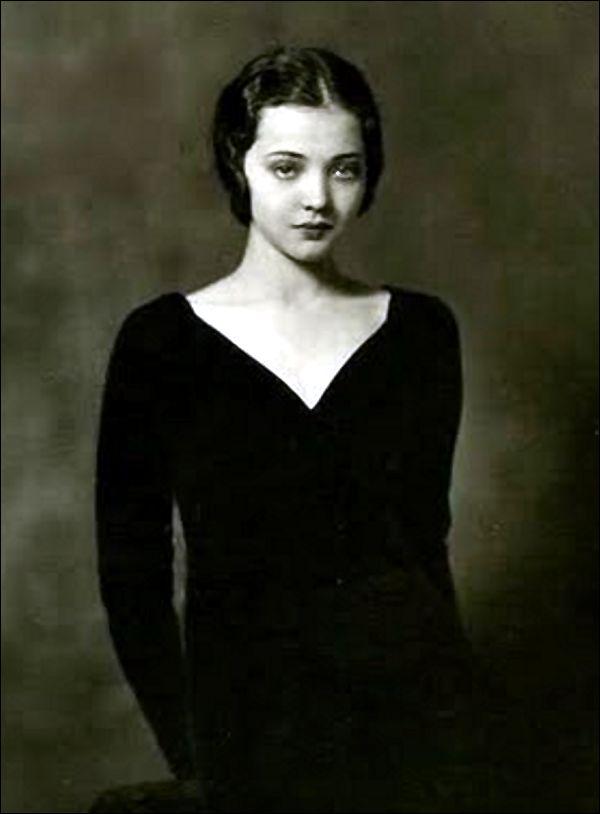 Margaret Dumont was very glam way before her Marx Bros. movie days.
