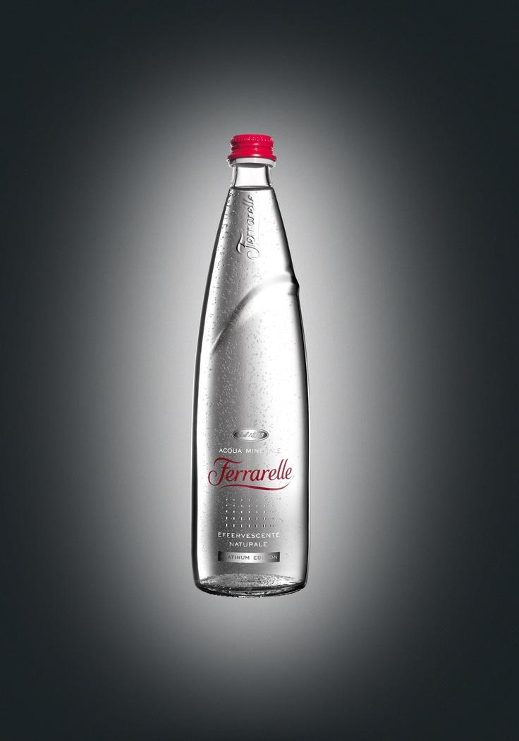 Ferrarelle Acqua Minerale - bella bottiglia