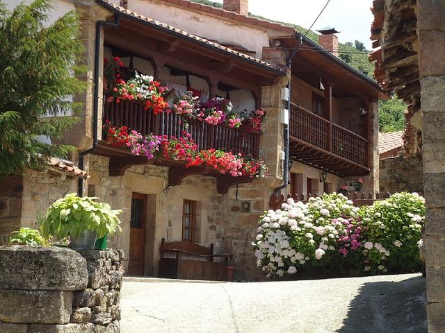 Cicera es uno de los muchos bellos pueblos montañeses de la Comarca de Liebana  #Cantabria #Spain