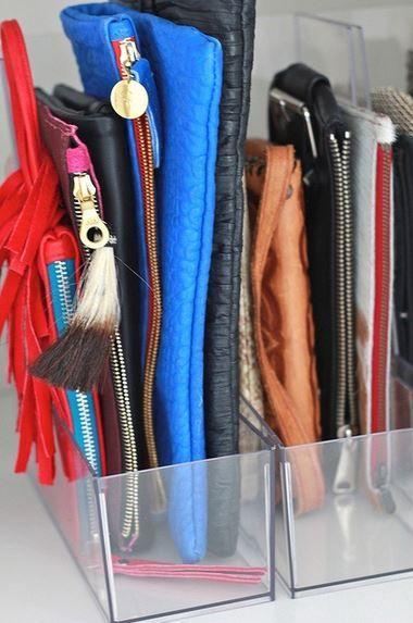 como organizar bolsos de mano