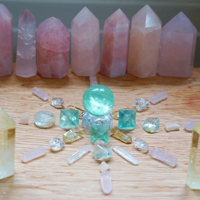 Sending out some loving, calming crystal energy as we head into the Holiday season and embrace the Solstice energy this Thursday✨come visit us in our new space in DTLA 740 e. 3rd St. we will be open daily from 12-7:00pm:heart: I will still be hosting small intimate sound baths at a private residence in Los Feliz. You are invited to an intimate Soul Soothing Sacred Light Sound Bath Meditation Friday at 8:00 with an illumination of Reiki Light by Lorraine Pelayo❤️you can reserve a sp