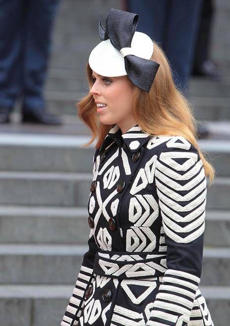 Korkeissa koroissa edustaneelle herttuatar Catherinelle oli käydä köpelösti kesken kirkkojuhlan – prinssi William riensi apuun - Kuninkaalliset - Ilta-Sanomat