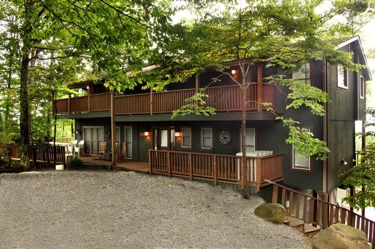 Gatlinburg Cabins - Gatlinburg Chalet Rentals | The Smoky Mountain Lodge