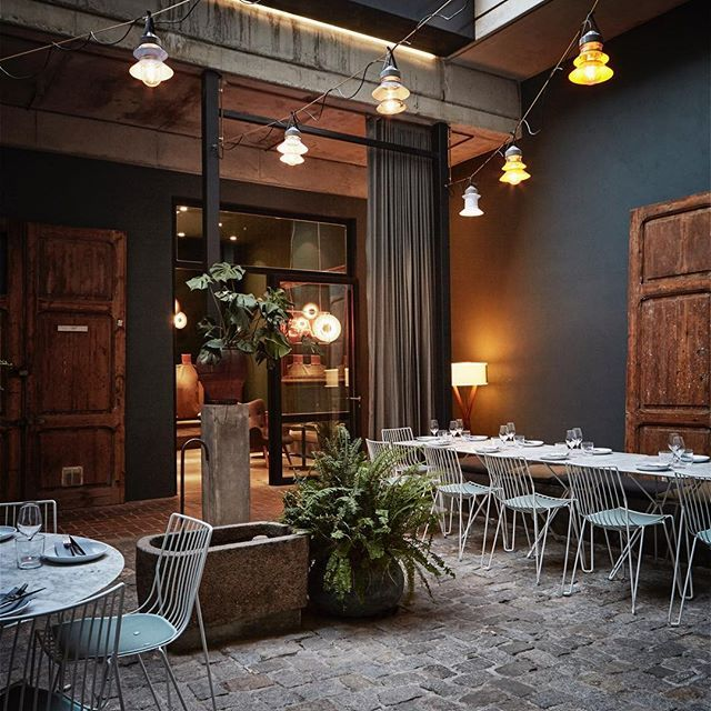 @marsetbcn 's #santorini lamps play a great part in the decor of our patio, perfect for having a chill dinner @brummellkitchen! #tgif   #food #drinks #design #lighting #mediterranean #furniture @massproductions
