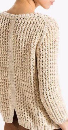 Кардиган плетёным узором с визуальной многослойностью.