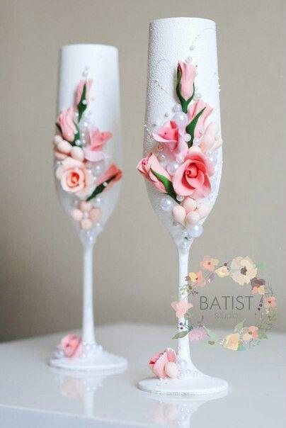 Свадебные бокалы 53$/пара  #батист #студиябатист #свадьба #аксессуары #свадебныеаксессуары #аксессуарыдлясвадьбы #невеста #вседляневест #красиваясвадьба #идеальнаясвадьба #вседлясвадьбы #свадьбаукраина #свадьбахарьков #свадьбакиев #свадьбамосква #свадьбапитер #свадьбароссия #ручнаяработа #аксессуарыручнойработы #полимернаяглина #ручнаяработаизполимернойглины #глинаdeco #claycraftbydeco #wedding #weddingday #weddingdecor #бокалы #свадебныебокалы