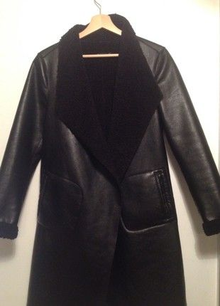 À vendre sur #vintedfrance ! http://www.vinted.fr/mode-femmes/vestes-matelassees/52409522-veste-cintree-stradivarius-jamais-portee
