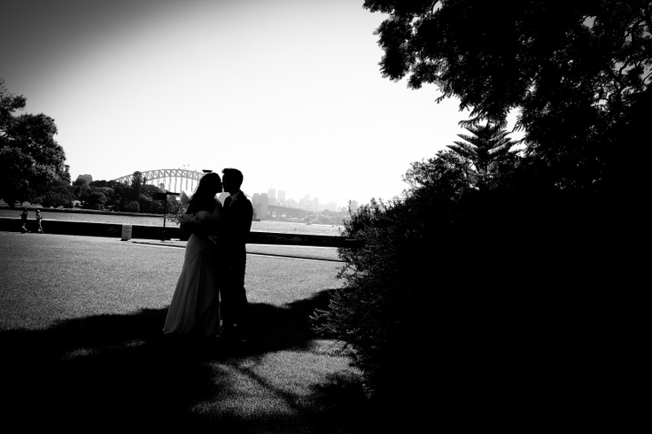 Royal Botanic Garden wedding photo - silhouette