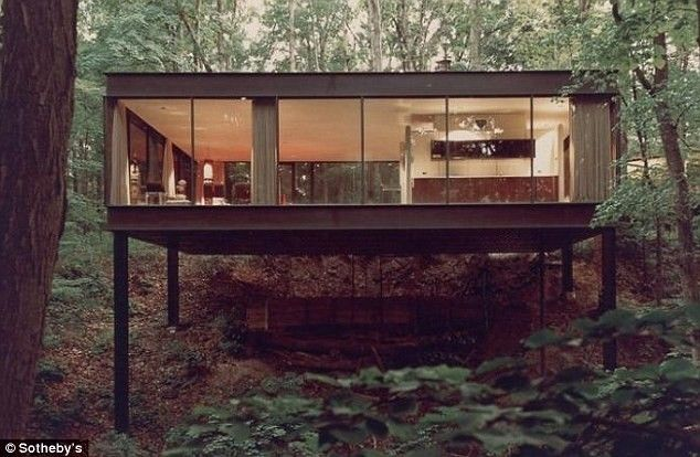 Ben Rose home was designed by architects A. James Speyer and David Haid. It has been owned by Rose since it was built in 1953.