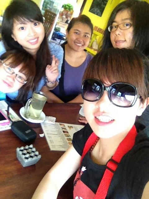 New Sisters from Taiwan :) Miss you Ivy Lin, Stefanie Wu, Amber Li, and Angel Chuang (from left to right)
