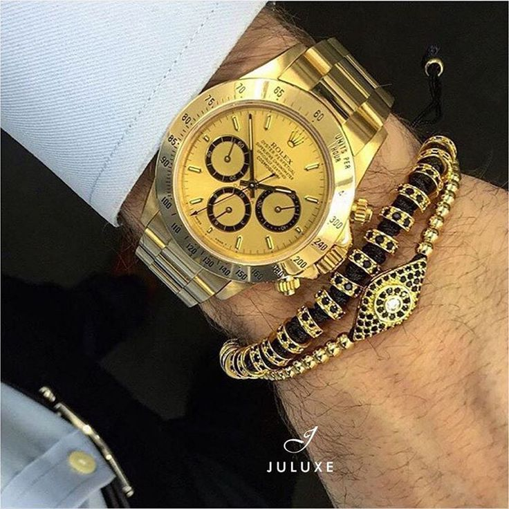 Rainy day in Hamburg but wrist game still strong. Rolex Daytona in gold with Juluxe 18kt gold stoppers bracelet and our 18kt gold Evil Eye bracelet. Available on Juluxe.com #juluxe #juluxeworld #rolexdaytona #gold #mensbracelet #wristgame #mensfashion #mensaccessories #hamburg #germany