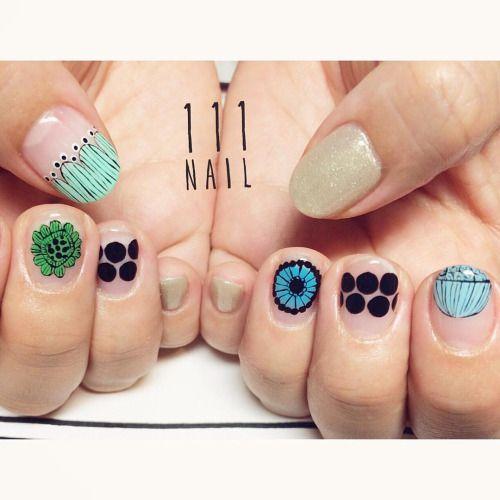 marimekkoのボタニカル #nail#art#nailart#ネイル#ネイルアート…