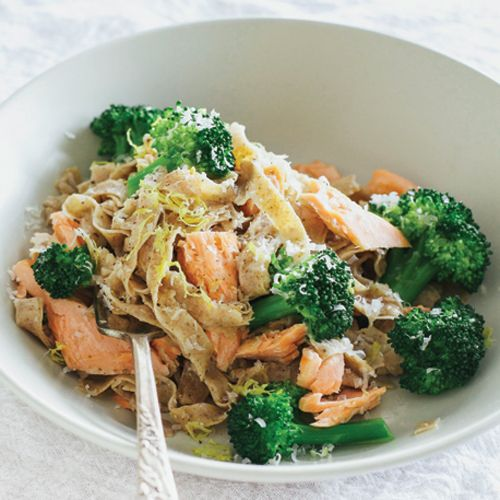 Whole wheat pasta with a light lemon zing and spice of pepper topped with salmon. After making this at home, you might turn your nose up to the boxed stuff!