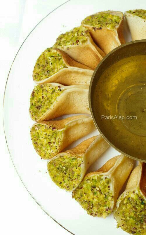Syrian sweets - Qatayef 3assafiri (i.e small size crepes stuffed with cream)