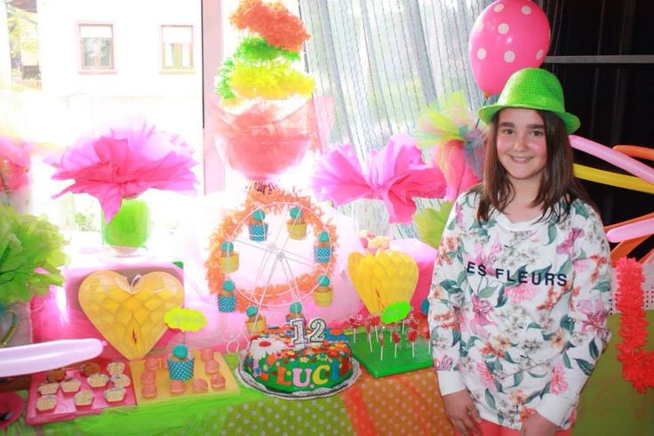 Decoraci n tem tica mesa dulce fiesta fluor - Mesa dulce infantil ...