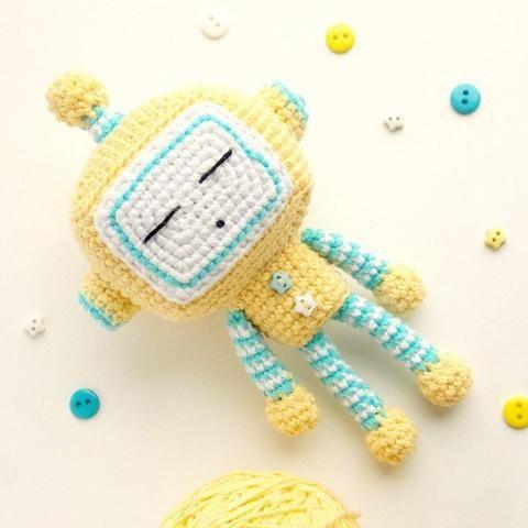 Cute crochet robot amigurumi pattern – printable PDF