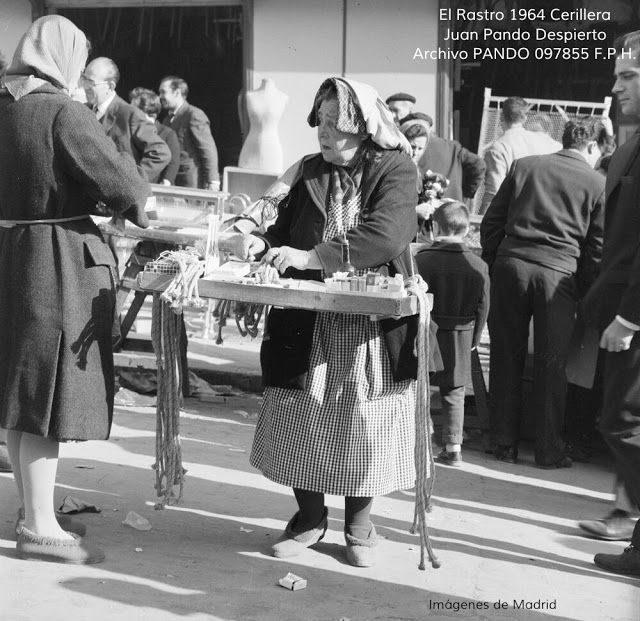 IMAGENES ANTIGUAS DE MADRID: LAS MIRADAS DEL RASTRO 1964 (II)
