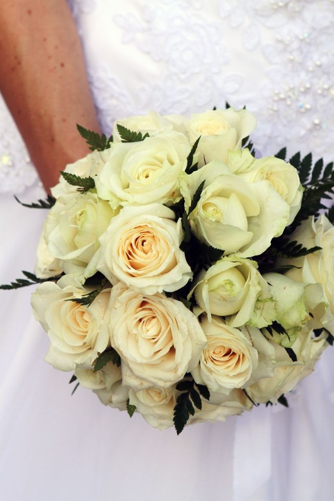 #bride - #handbouquets - #weddings - #baliwedding - #baliweddingplanner - http://lilyweddingservices.com/