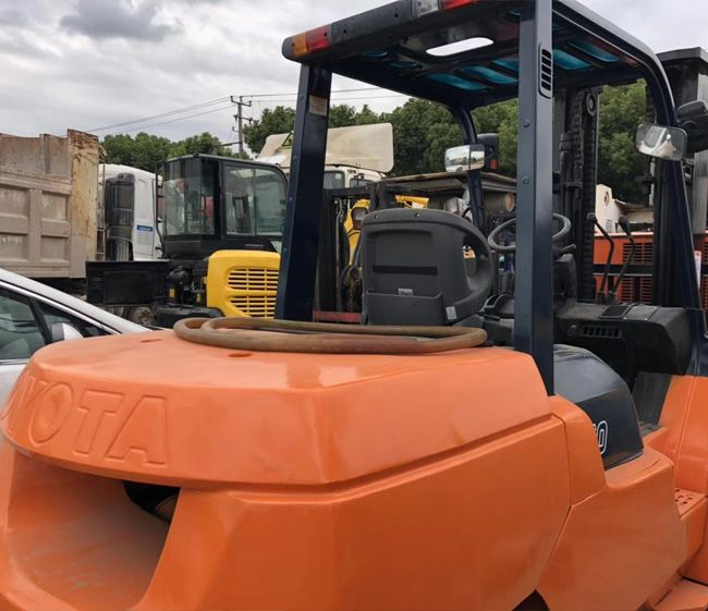 Used Toyota #forklift 5TON We are commited to providing