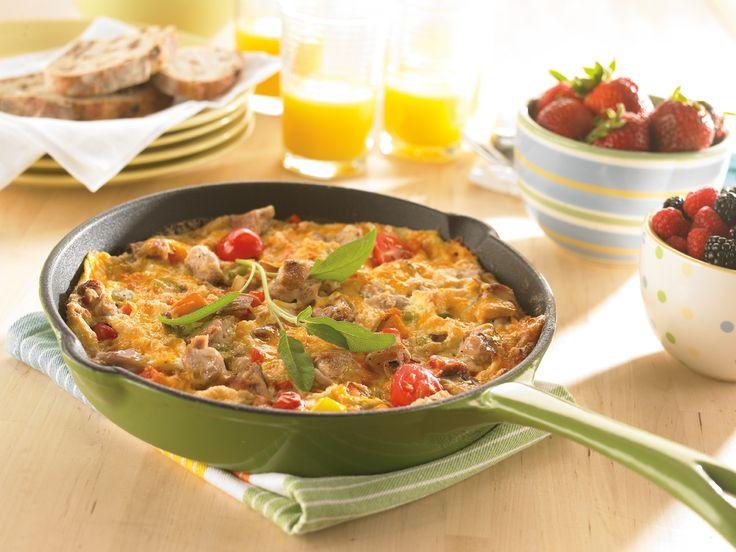 """İtalyan omleti olarak bilinen """"frittata"""" aslında bir omletten daha fazlasıdır. Bol malzemeyle yapıldığı için normal omletten daha kalın olur."""