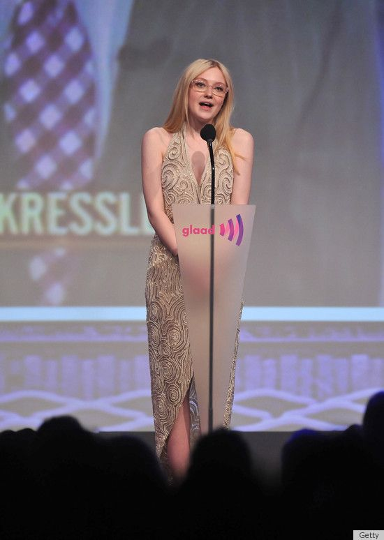 Dakota Fanning looked fabulous as she flaunted her spexy style at the GLAAD Media Awards