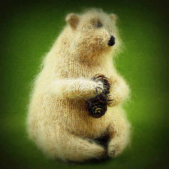 Moritz gestricktes Bär von ArtlessTM auf Etsy