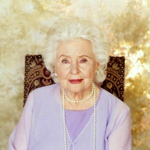 The beloved Frances Reid played Alice Horton from episode #1.She was everyone's grandmother, a sweetheart.