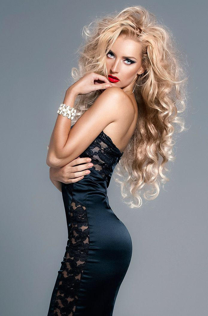 so full and sexy: Curly Hairstyles, Blonde, Hair Colors, Long Hairstyles, Photo Poses, Hair Makeup, Big Hair, Hair Style, The Dresses