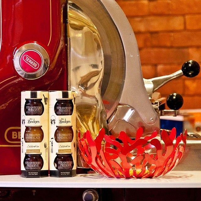 Стильная ваза для фруктов и трио джемов MrsBridges#mfresca #одесса #odessa #instafood #mozzarellafresca #гастрономия #gastronomy #wine #вино #cheese #сыр #алкоголь #одессамама #odessamama #iloveodessa #новыйгод #праздник #елка #xmas #подарки #igukraine #ваза #мармелад #натурпродукт #джем #конфитюр #варенье #jam #confiture #MrsBridges