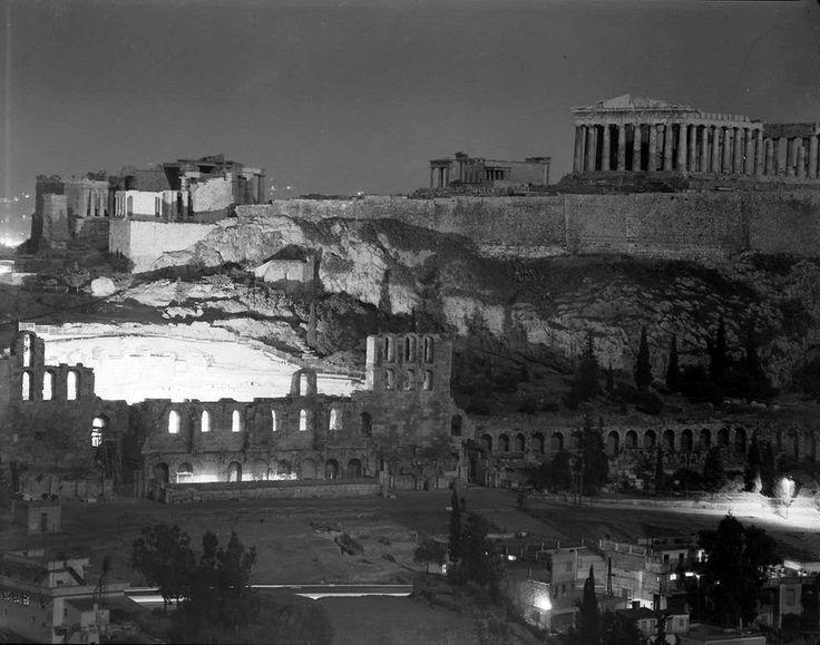 ΤΟ ΘΕΑΤΡΟ ΤΟΥ ΗΡΩΔΟΥ ΤΟΥ ΑΤΤΙΚΟΥ ΦΩΤΑΓΩΓΗΜΕΝΟ -ΦΩΤΟΓΡΑΦΙΑ ΔΗΜΗΤΡΗΣ ΧΑΡΙΣΙΑΔΗΣ 1956