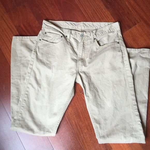 Levi's Khaki Twill Jean-style 511 Pant  The mainstay of any wardrobe, a good pair of khaki pant, these are jean cut, Levi's 511  Waist 34, Length 34. Excellent condition  Levi's Jeans Straight Leg