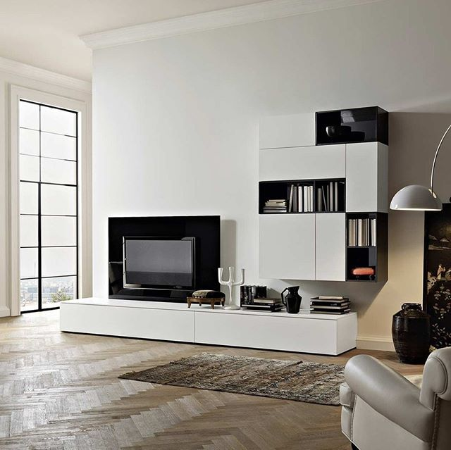 Dank dem TV Wandpaneel können alle Kabel unsichtbar dahinter zum TV - wohnzimmer beleuchtung indirekt
