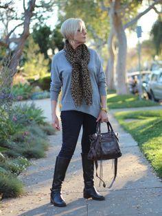 What beautiful Parisian fashion. | Southern Illinois OB/GYN | 618-529-4711 or (618) 998-8808 | www.siobg.com |