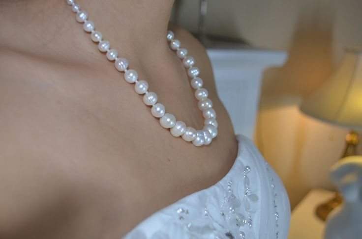 Bridal Pearl Necklace ~ Elegant ~ Simple ~ White ~ Wedding Jewellery