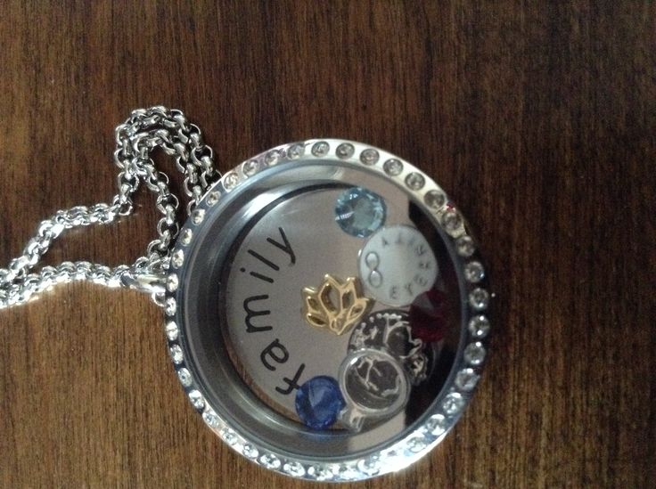 My family locket is what made me fall in love with south hill designs. My most treasured Mothers Day gift. Xo