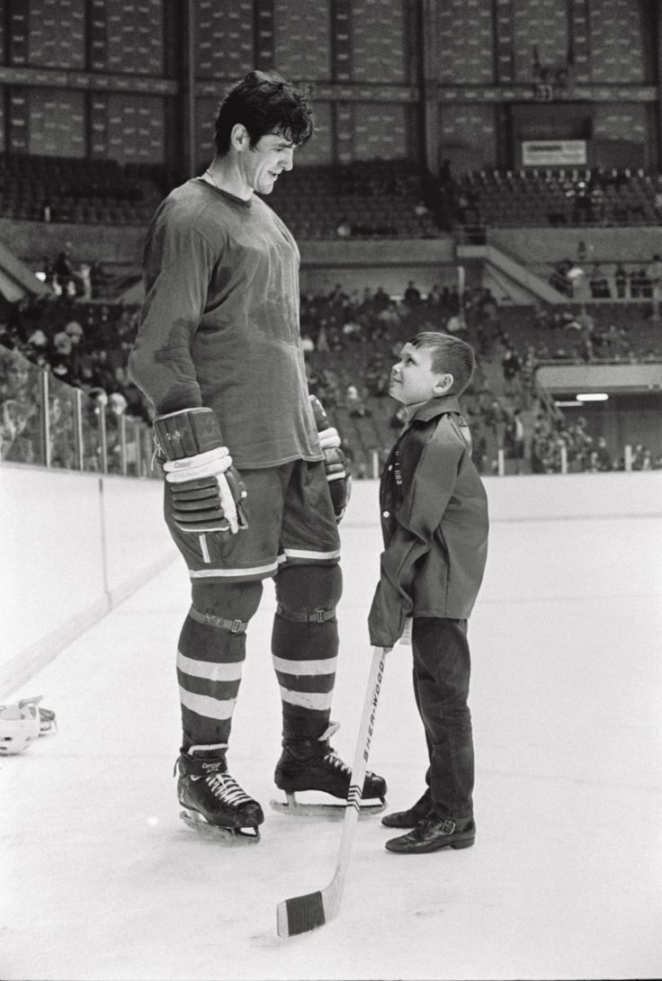 Pat Quinn with the first year Vancouver Canucks (1970-71).