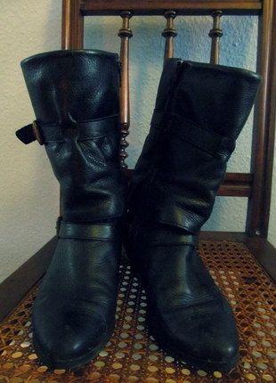 Kaufe meinen Artikel bei #Kleiderkreisel http://www.kleiderkreisel.de/damenschuhe/stiefel/86910736-schwarze-echt-leder-boots-in-36