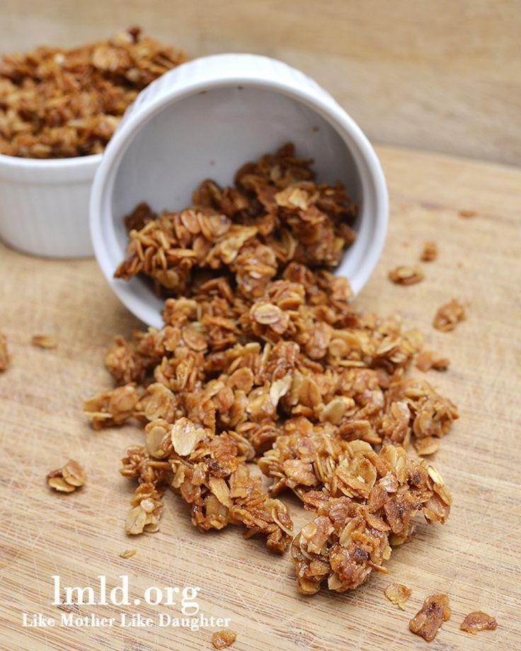 Simple honey and cinnamon granola -1/2 c b sugar, 1/2 c honey, 1/4 c oil, 4 c oats, 1/2 t cinn, 1/4 t salt - 250' 1 hour