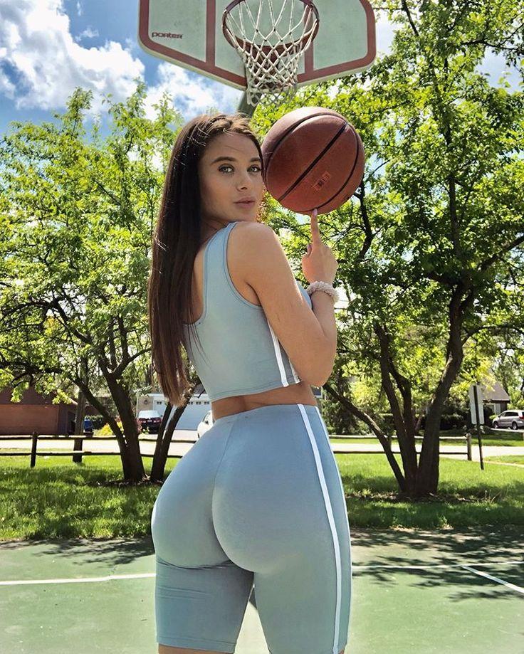 Lana rhoades spandex ass